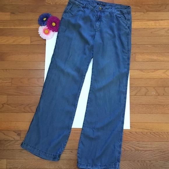 women size 31 chambray jeans